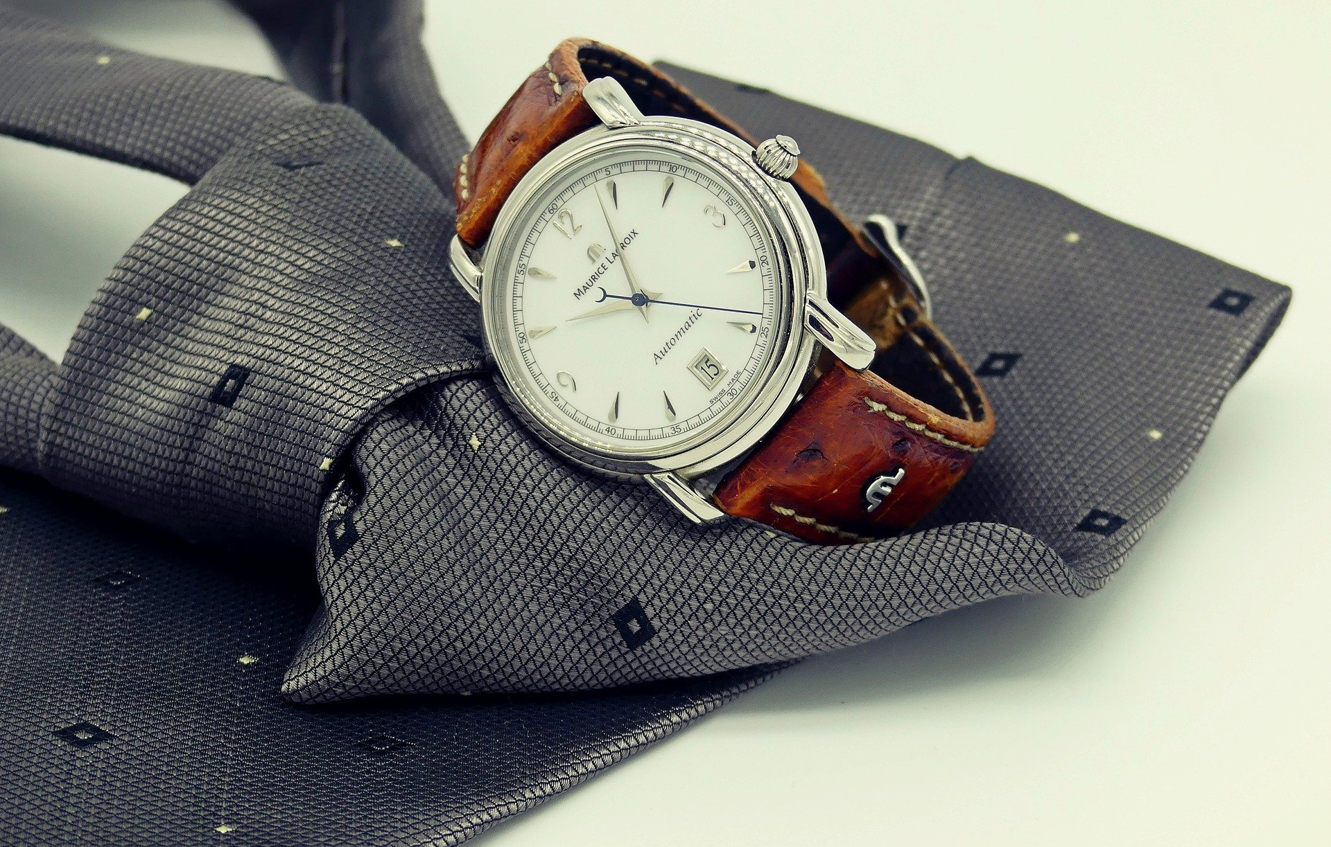 Best Easy to Read Watches for Seniors